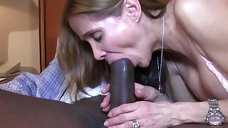 Hot white wife gets a BBC creampie