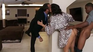 Cheating-wife-lisa-ann-taking-black-cock-when-her-husband-came-back-home